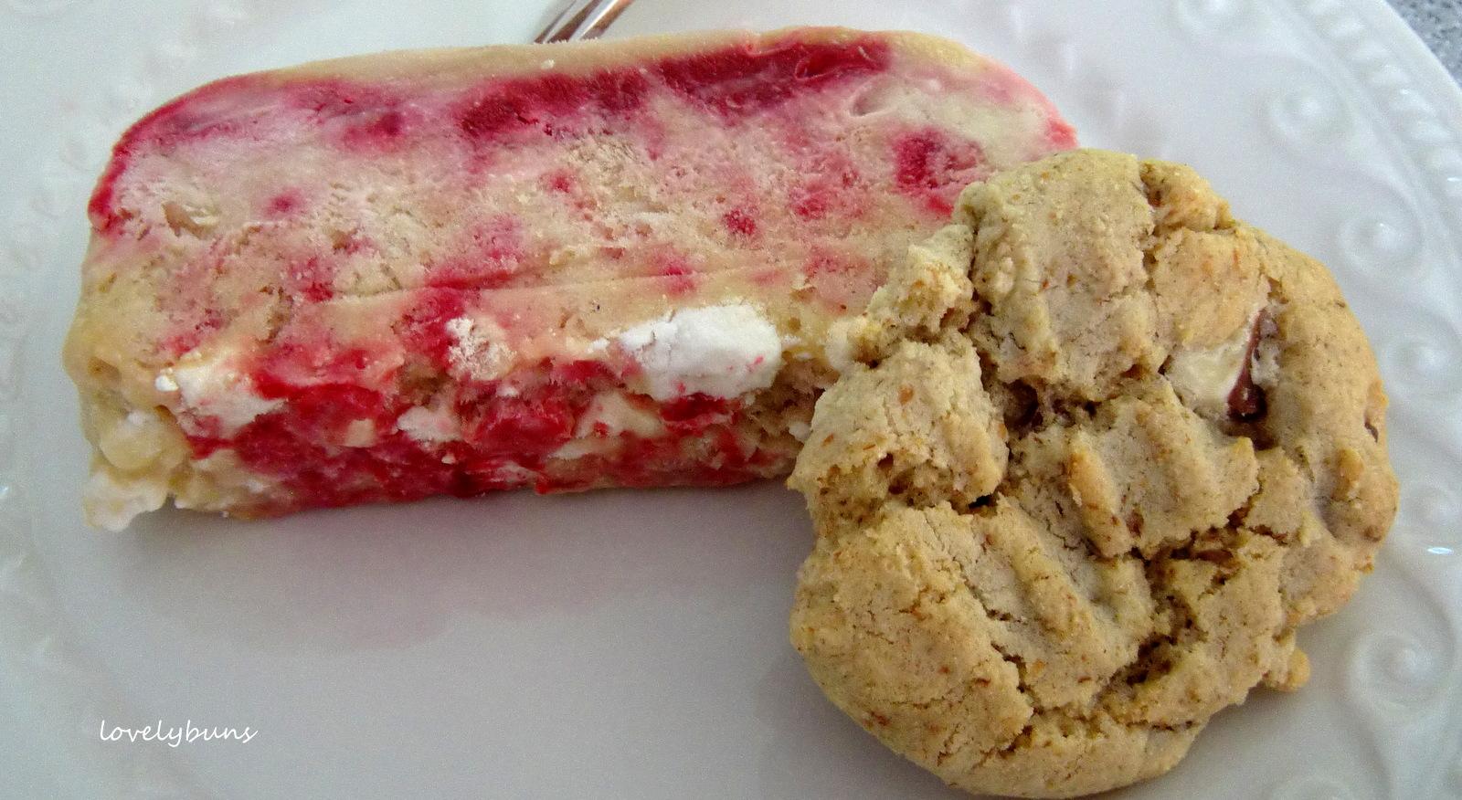 how to make raspberry ripple ice cream