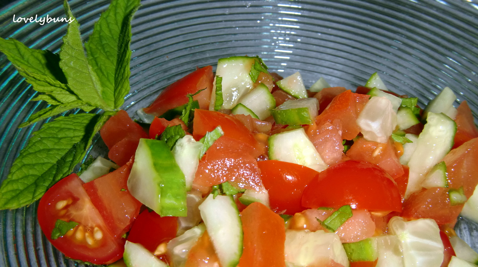 tomato,cucumber and mint side salad~ | ~~~ lovely buns ~~~