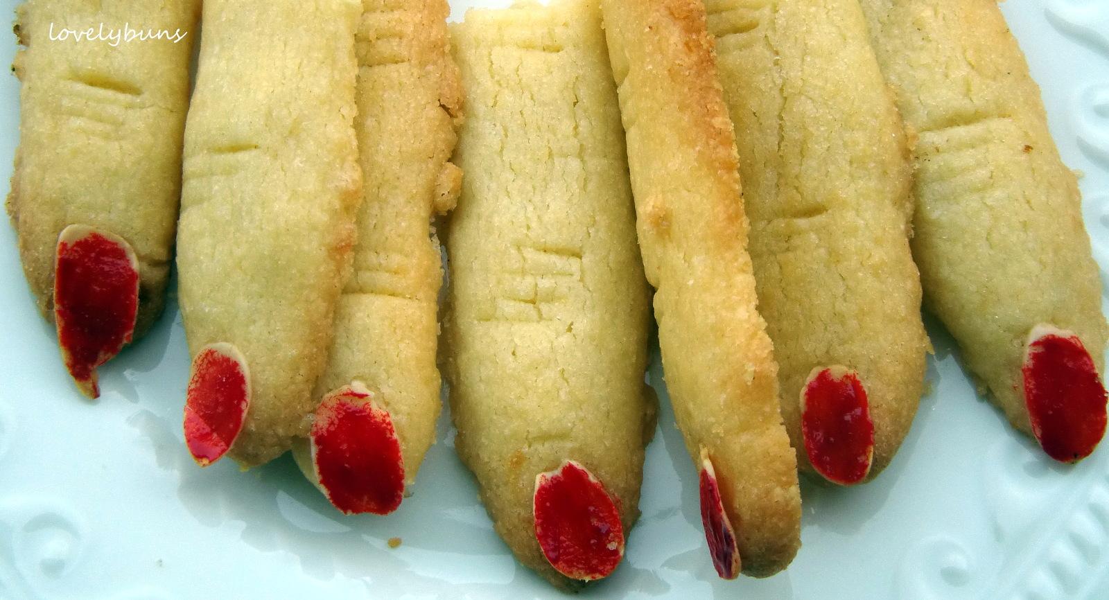 halloween finger food~   ~~~ lovely buns ~~~